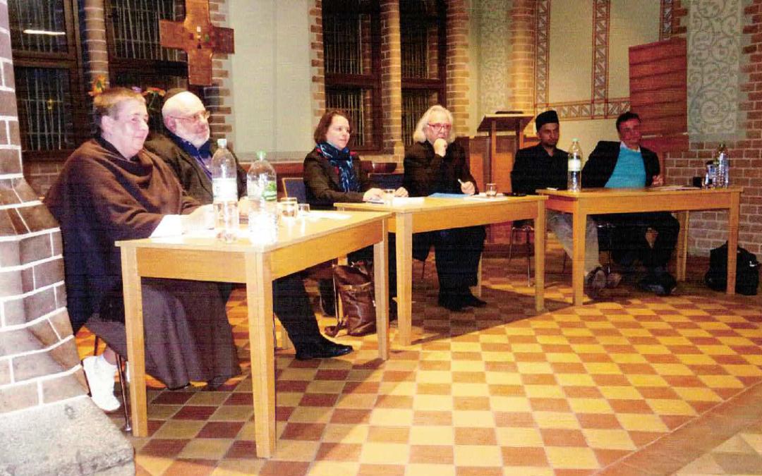 Abrahamisches Team zum Thema lösen oder schaffen Religionen Probleme in der Gesellschaft